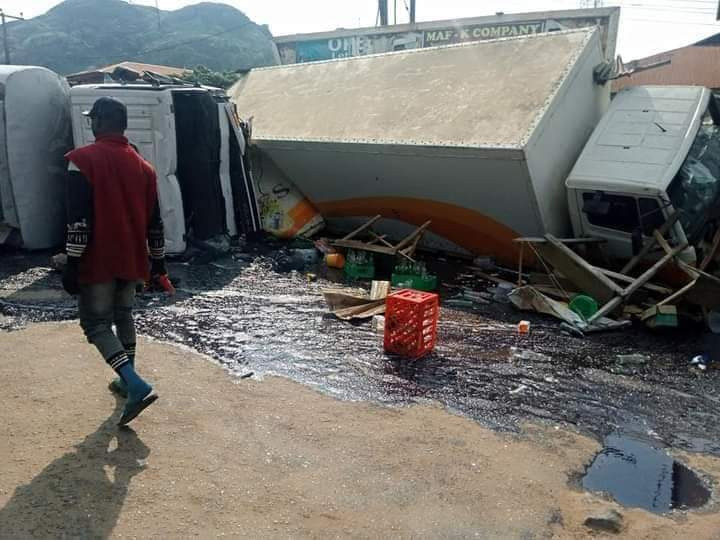 Pregnant woman and her two kids burnt to death in a tanker accident in Ondo (photos)