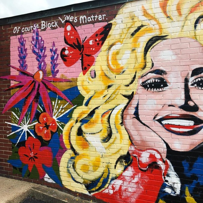 Dolly Parton?s Black Lives Matter statement is now a mural in Nashville (photos)