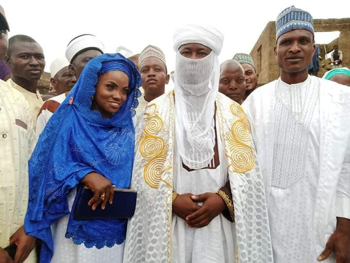 Blue-eyed Kwara woman and husband remarry (photos)