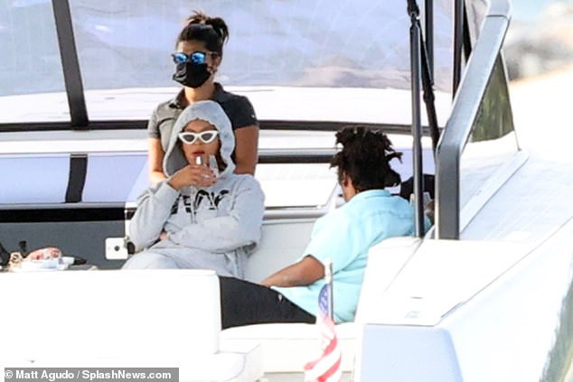 Beyonce and Jay Z take a boat ride with friends in the Hamptons
