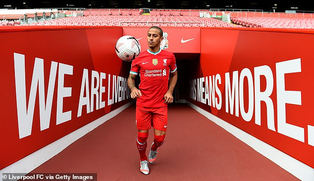 Liverpool FC complete ?25million signing of Thiago Alcantara from Bayern Munich (photos)