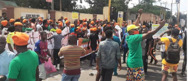 Over 30 arrested as #RevolutionNow protesters storm Lagos streets on Independence day to demand end to bad governance