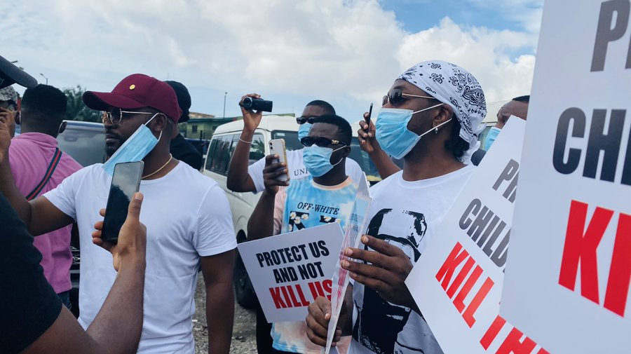 Falz and Runtown lead #EndSARS protest in Lagos (photos/video)