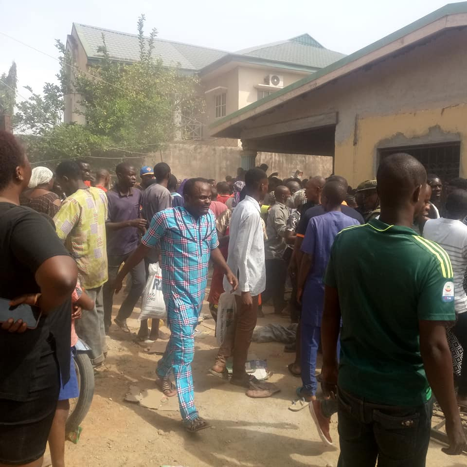 Governor El-Rufai imposes 24-hour curfew in parts of Kaduna as residents loot COVID-19 palliatives from warehouse