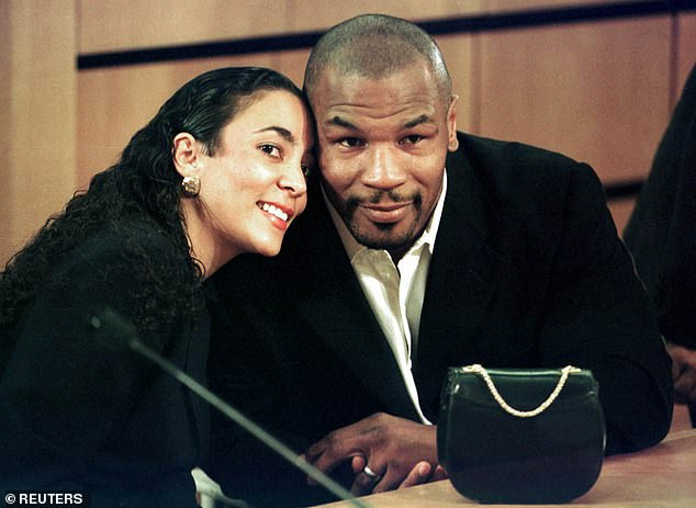 Légende de la boxe, Mike Tyson révèle comment il a utilisé un faux pénis pour passer un test de dépistage de drogue au cours de sa carrière de boxeur poids lourd