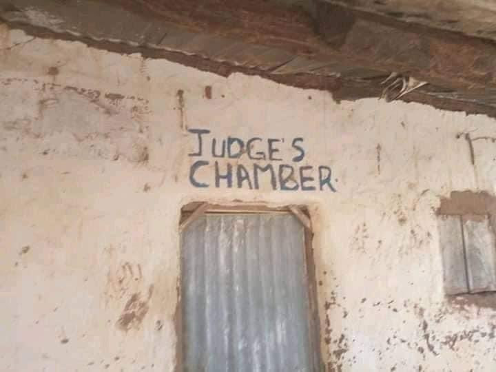 Photos of an alleged Nigerian courtroom goes viral on Twitter