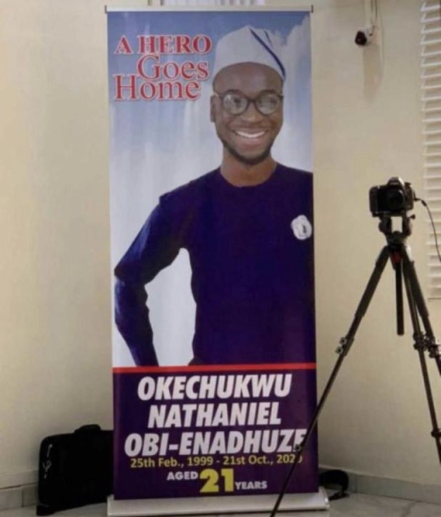 "#EndSARS?protester, Oke, who was shot dead in Lagos 3 hours after tweeting ""Nigeria will not end me"", has been laid to rest (photos/video)"