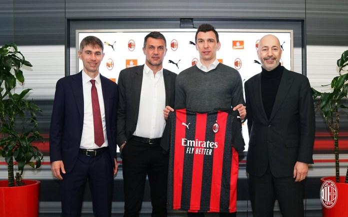 AC Milan confirm signing of striker Mario Mandzukic, hand him the iconic No 9 shirt for this season