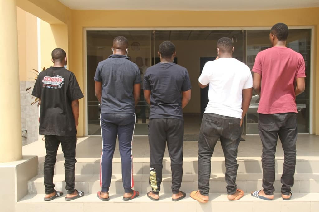 Three Dubai-based suspected internet fraudsters arrested with 14 others in Lagos (photos)