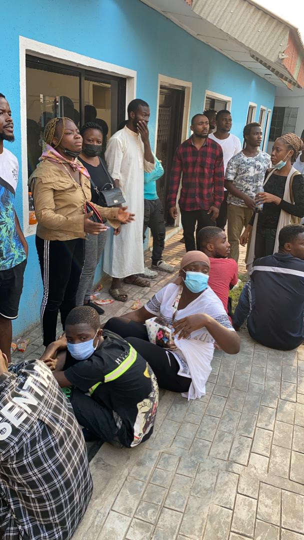 Mr Macaroni and other #OccupyLekkiTollgate protesters arraigned before a mobile court in Panti, granted N100, 000 bail (photos)