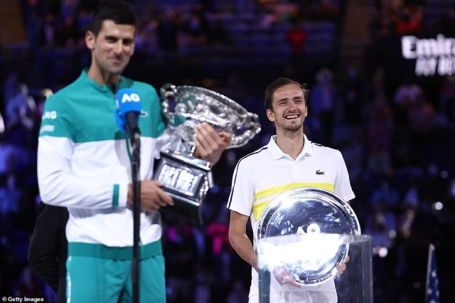 Novak Djokovic wins third straight Australian Open title in dominating display over Daniil Medvedev