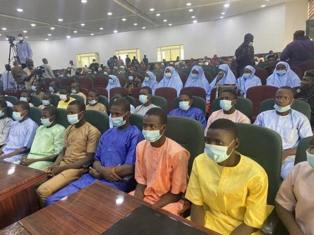 Niger state governor, Abubakar Bello, receives freed Kagara schoolboys and their teachers (photos)