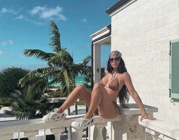 Kim Kardashian, Kim Kardashian continues to promote Kanye West's sneakers despite filing for divorce, Premium News24