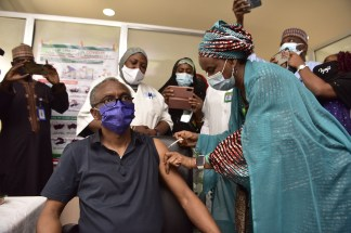 El-Rufai, Bello, take the COVID19 vaccines (photos)