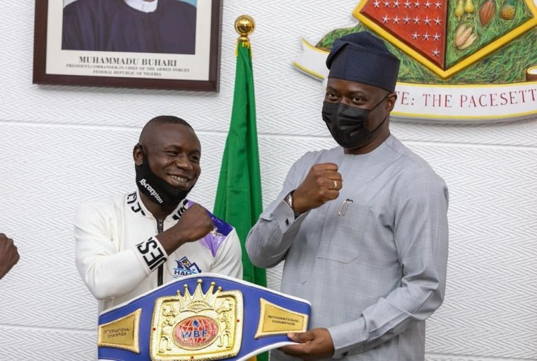 Gunmen attack Nigerian WBF boxing champion, Ridwan Oyekola shortly after he received N10m cheque from Governor Makinde