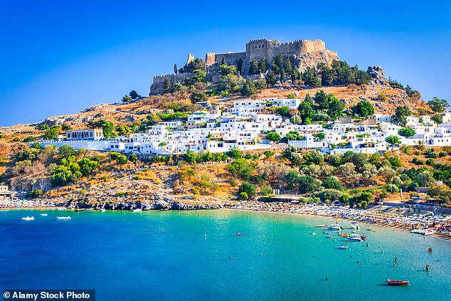 Holland to send 200 people on eight-day holiday to Greece as an experiment to see if tourism is feasible during pandemic