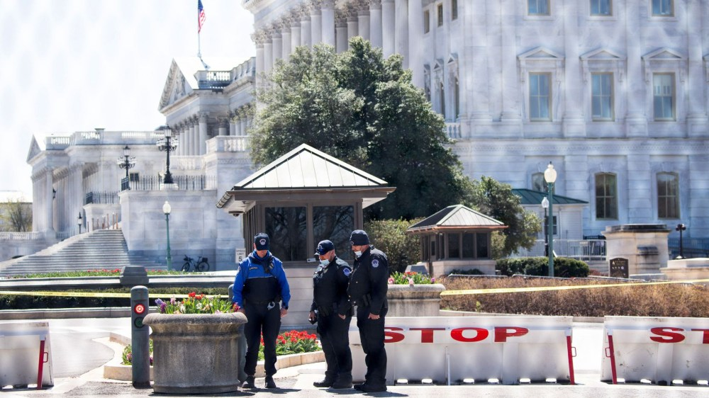 "US Capitol police ""struggling"" after second deadly attack, with many set to retire or change jobs - Police union chief says"