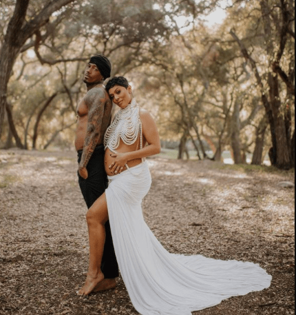 Nick Cannon and Abby De La Rosa expecting twin boys as the show host