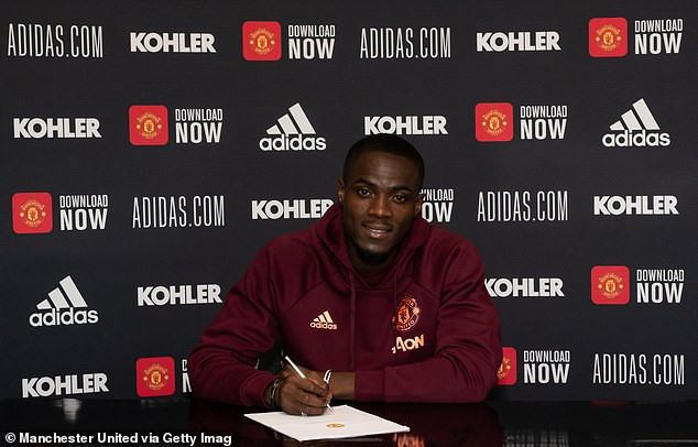 Manchester United defender, Eric Bailly signs new contract to stay at the club until 2024