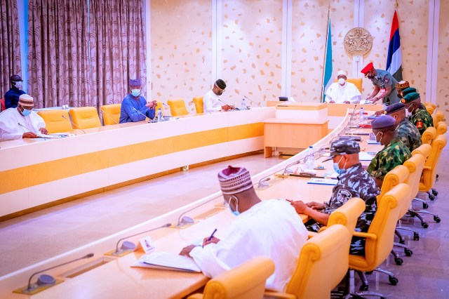 President Buhari meets service chiefs over insecurity