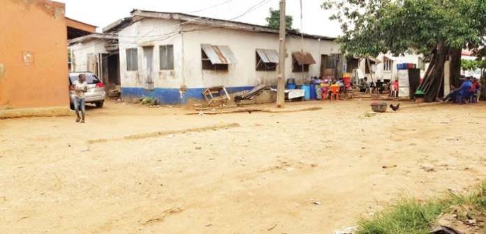 One killed as building collapses in police barracks
