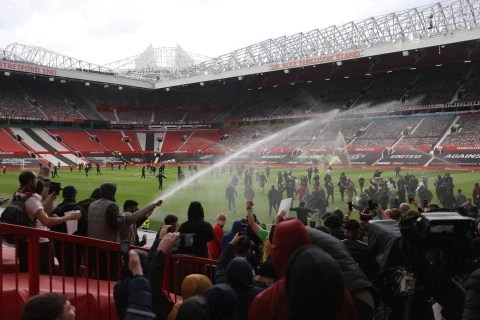 Man.U. owner Joel Glazer writes emotional 708-word letter to fans apologizing for the way he