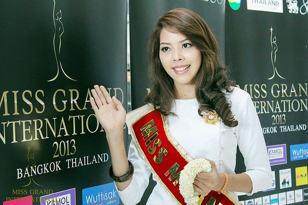 Former beauty queen takes up arms to fight against Myanmar