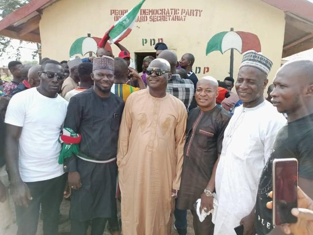Suspected hoodlums deface PDP newly-commissioned secretariat in Kogi with APC inscription