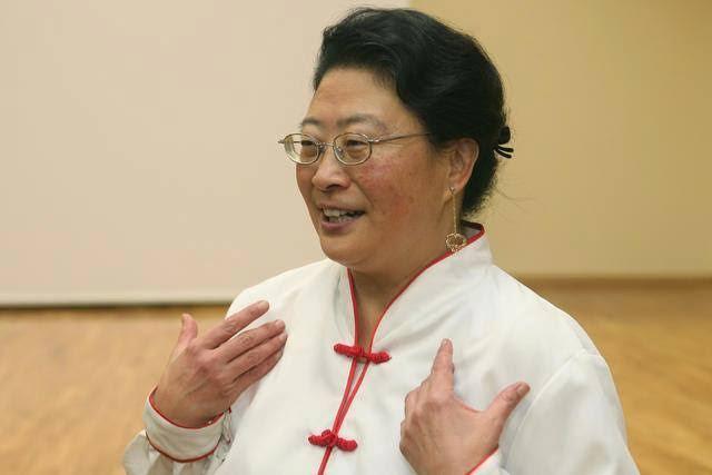 The Wife of Belgium Ambassador to South Korea slaps a store assistant