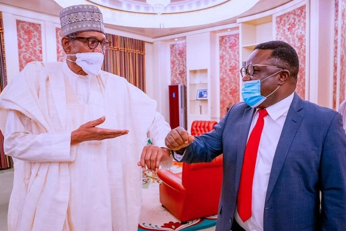 Weeks after defecting from PDP to APC, Gov Ayade visits President Buhari in the statehouse (photos)
