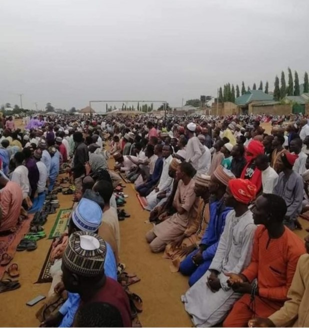 Zaria residents sacrifice two rams as they pray against incessant kidnapping (photos)