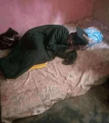 University undergraduate sleeps in his matriculation gown to make the most of the 5K he paid for it