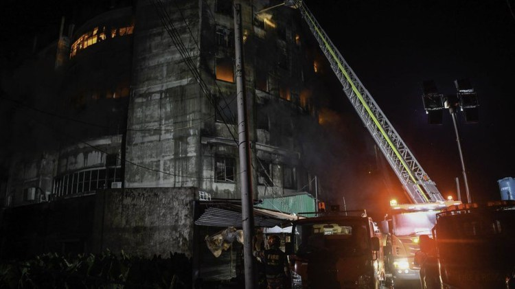 At least 52 people killed as overnight fire guts factory in Bangladesh (photos)