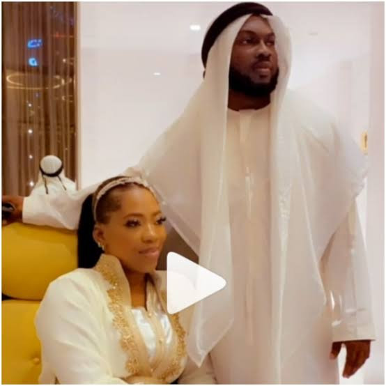 Video Vixen, Bolanle (Pepper Dem) sent packing from matrimonial home 6 months after wedding and her husband livestreamed it (video)