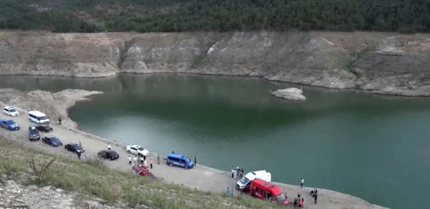 Boy, 3, found holding hand of sister, 9, at bottom of lake after she and three relatives died trying to save him
