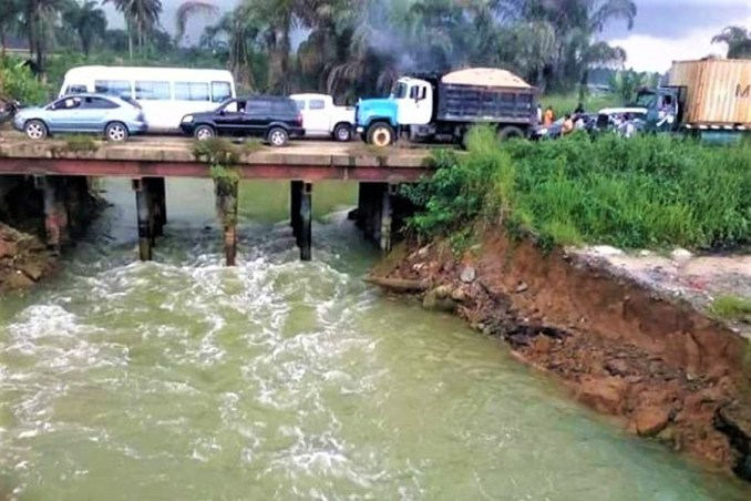 Two killed, five reportedly drown as vehicle plunges into the river in Bauchi