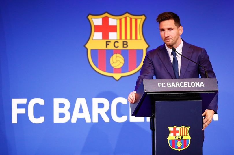 Lionel Messi receives formal two-year contract offer from PSG after Barcelona exit