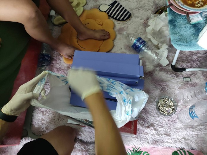 Drug trafficking: Nigerian man and his Thai girlfriend arrested in Bangkok while shipping 490 grams of meth to Australia (videos)