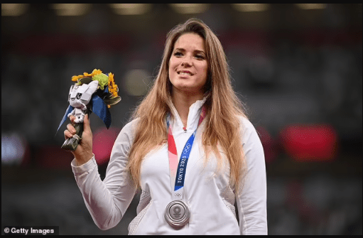 Polish Olympic hero auctions off her Tokyo silver medal for ?130,000 to help fund life-saving heart surgery for an 8-month old boy she