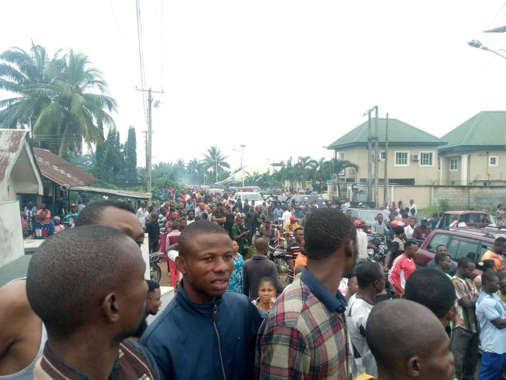 Suspected vandal electrocuted while allegedly stealing transformer cable in Akwa Ibom (graphic photos)