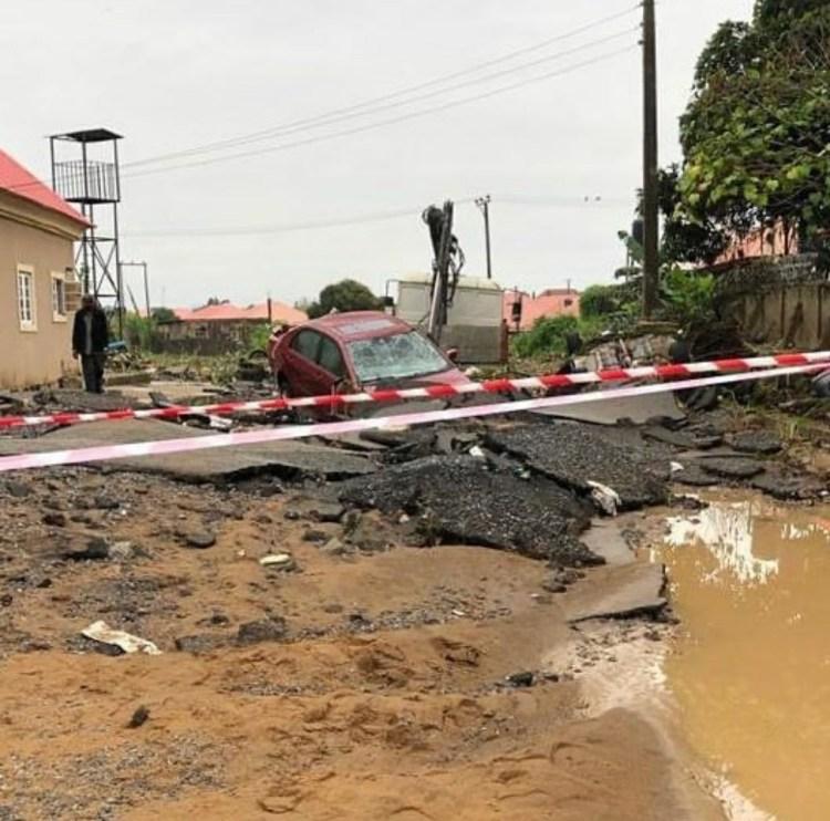 Three killed as heavy flood sweeps through estate in Abuja (photos)