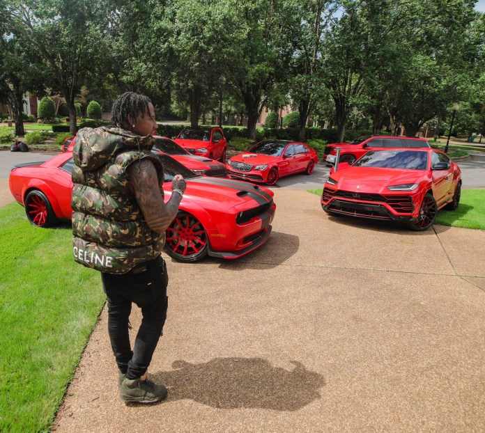 """""""I had nothing but Fs on my report card. Everything is possible"""" Rapper Moneybagg Yo shows off his luxury cars and money as he turns 30"""