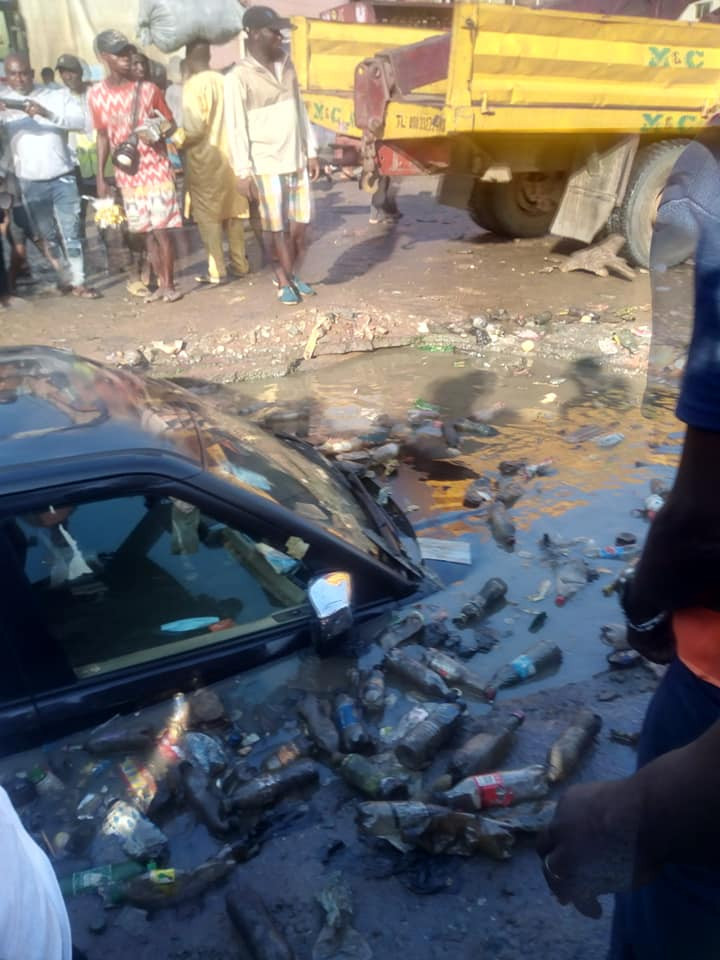 Driver escapes unhurt as gutter swallows SUV in Imo (video)