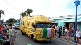 peanut travel explore parade