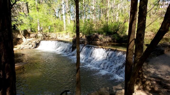atlanta georgia waterfall hiking trail lullwater park