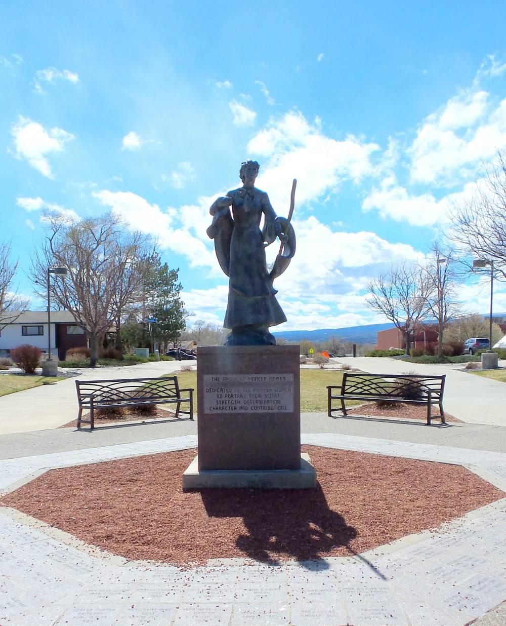 5 Pioneer Women Eagle Rim Park.jpg
