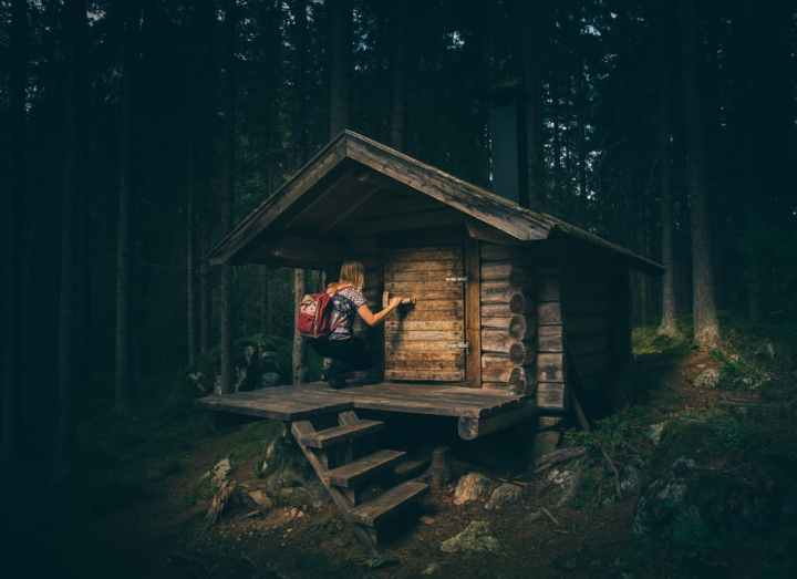 How to Embrace Minimalism Without Going Rogue in the Woods