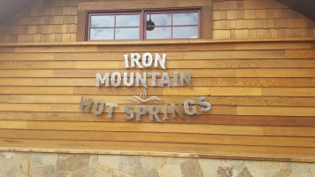 4 Iron Mountain Springs Sign