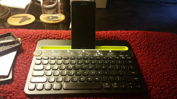 Alexis Chateau Samsung Phone Bluetooth Keyboard