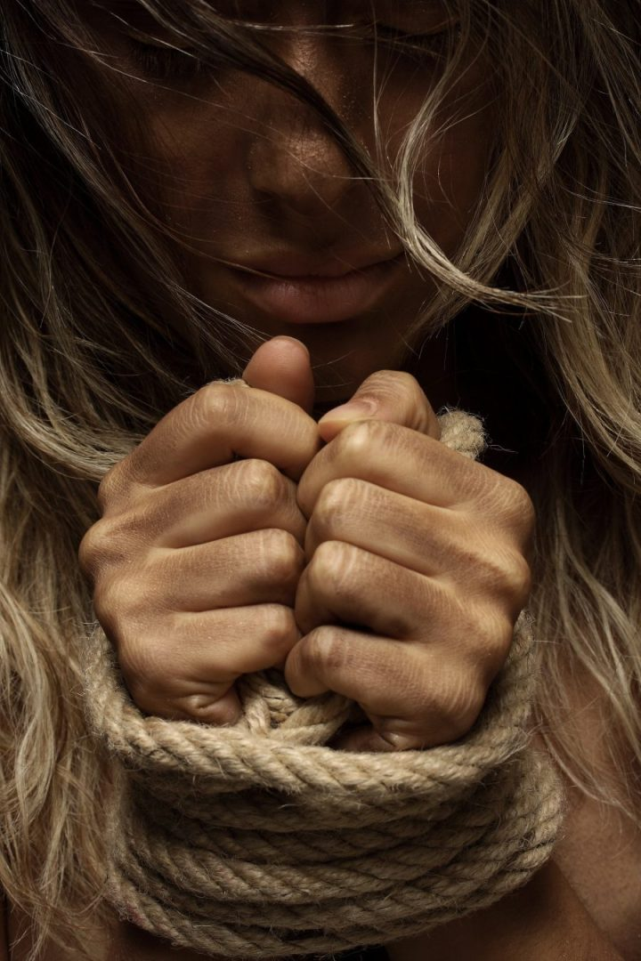 Getting Out Alive: 6 Tips for Women & Children Suffering From Domestic Abuse